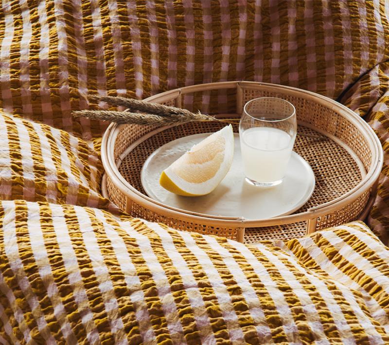 JUNA Bæk og Bølge sengetøj Pink Okker miljøbillede