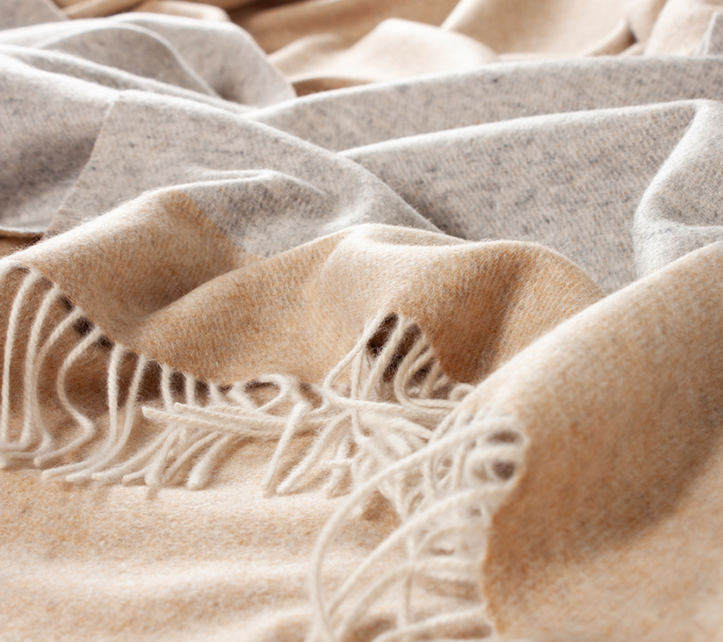 Nordic Weaving Cashmere Tæppe Grey Beige miljøbillede